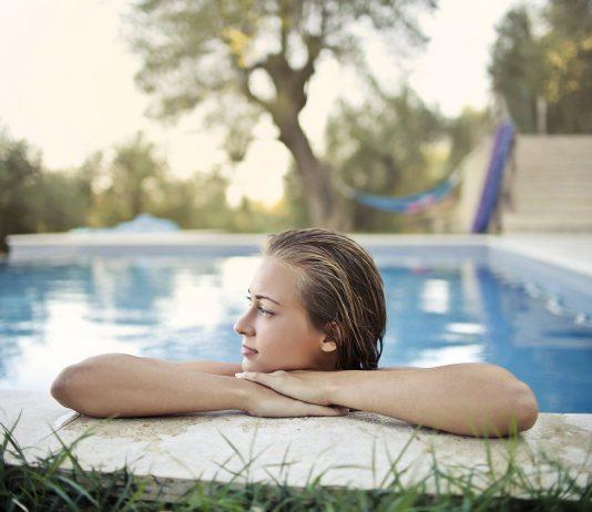 חשוב לקרוא מידע רלוונטי לפני קניית בריכת שחיה ביתית